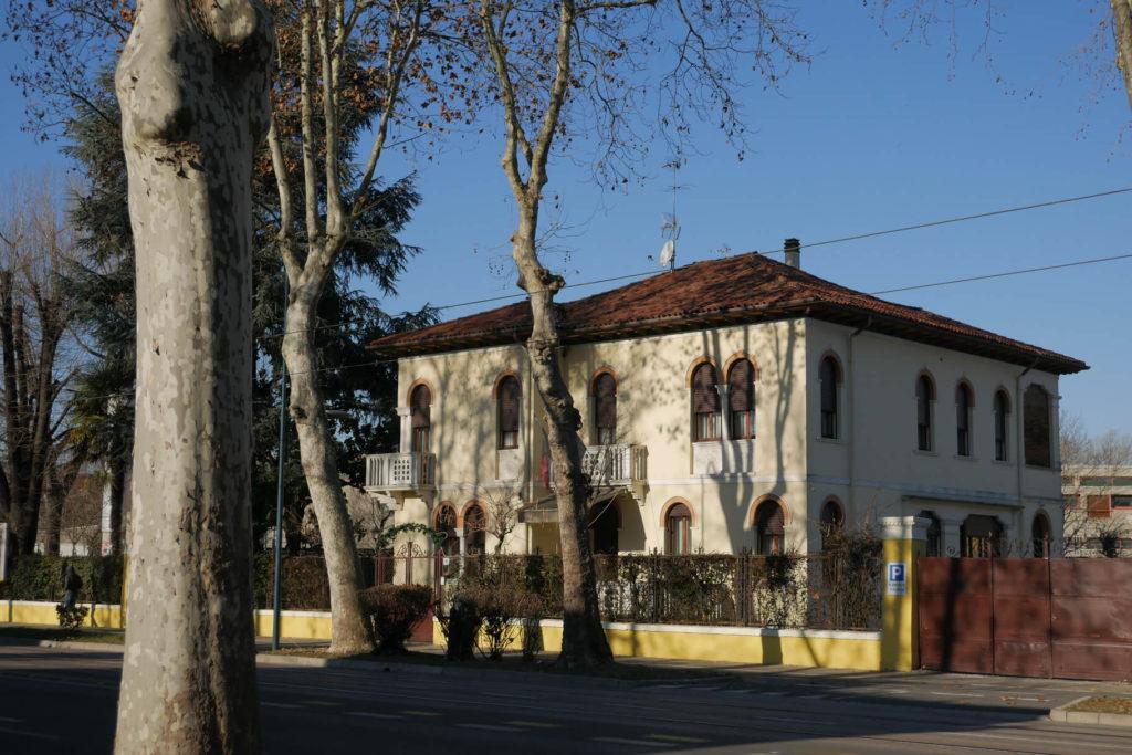 Casa Villa Gardenia in Marghera beim Sonnenaufgang.