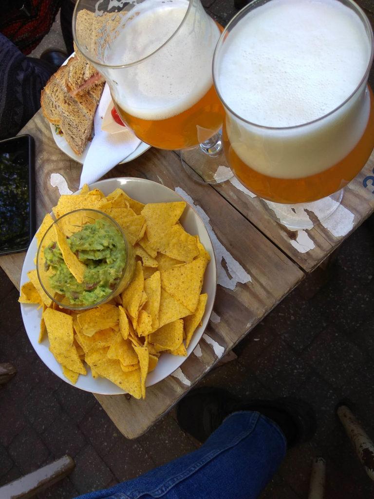 Kamiel Bier und Snacks